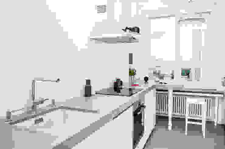 Francja na Powiślu: styl , w kategorii Kuchnia zaprojektowany przez EG Projekt,Skandynawski