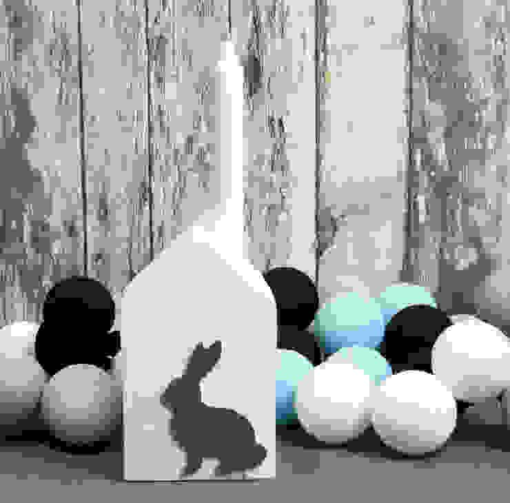 Świecznik biały z szarym królikiem od Grin House Design s.c. Skandynawski