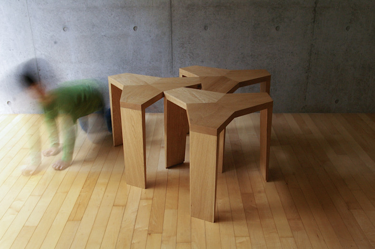 YATA Stool: hirakoso DESIGNが手掛けた現代のです。,モダン