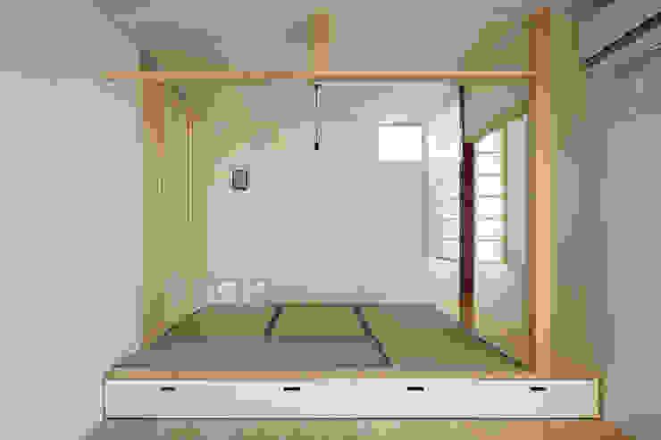 MoyaMoya クラシックデザインの リビング の studio PHENOMENON クラシック