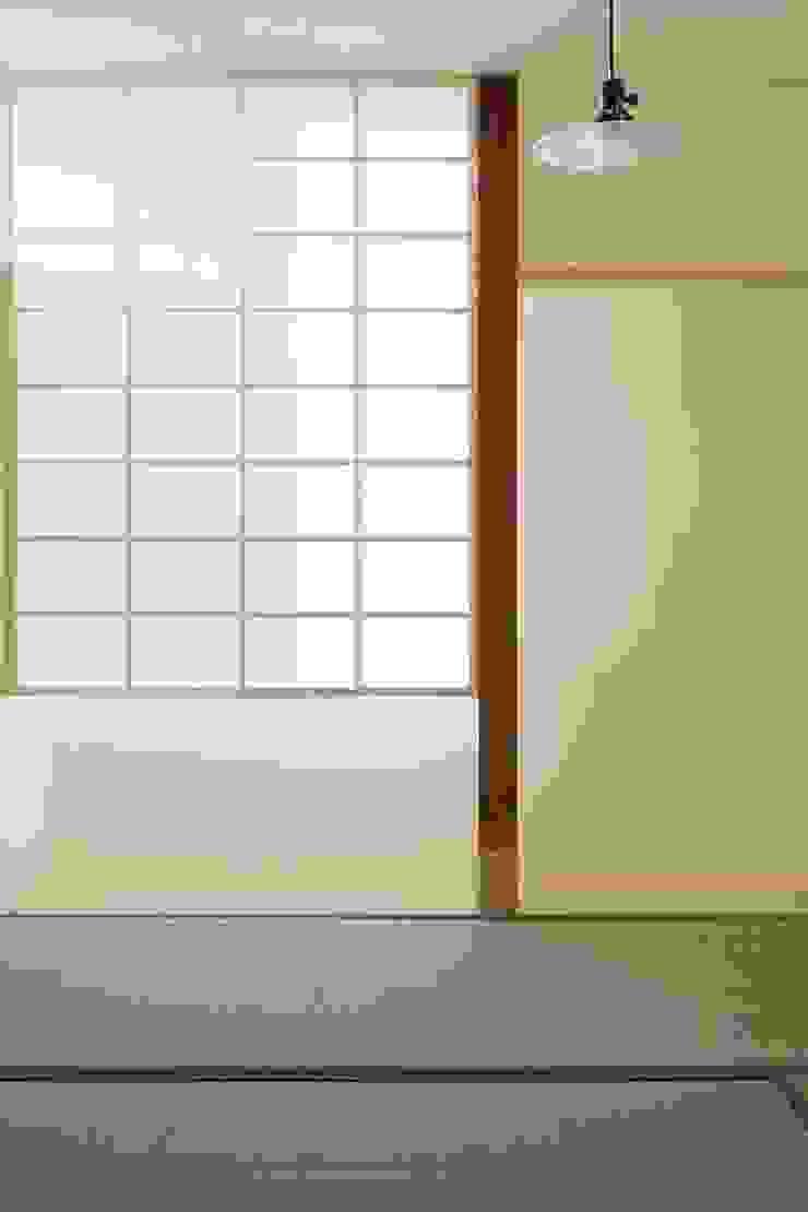 MoyaMoya クラシックデザインの 多目的室 の studio PHENOMENON クラシック