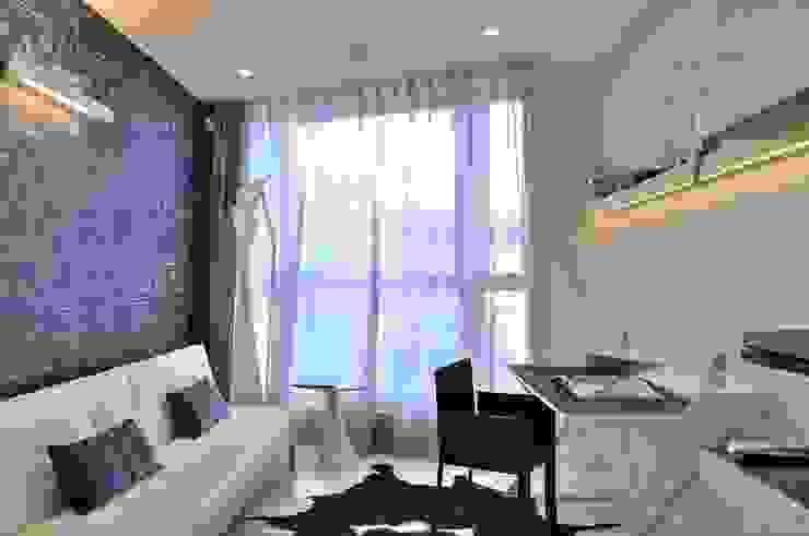 Sea Towers Apartment Minimalistyczne domowe biuro i gabinet od Minsterstwo Spraw We Wnętrzach Minimalistyczny