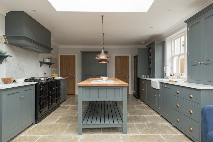 The Hampton Court Kitchen Cocinas de estilo rural de Floors of Stone Ltd Rural