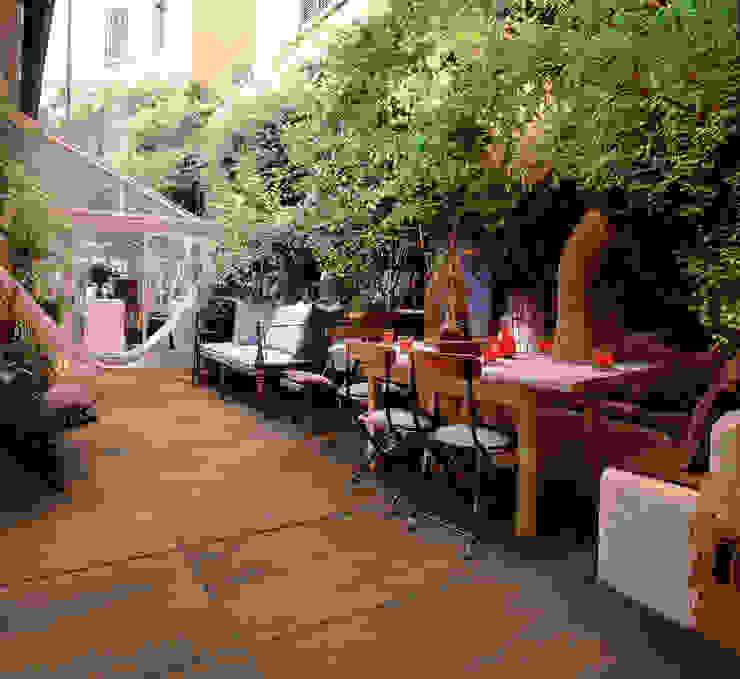 Walls & flooring by Spadon Agenturen,