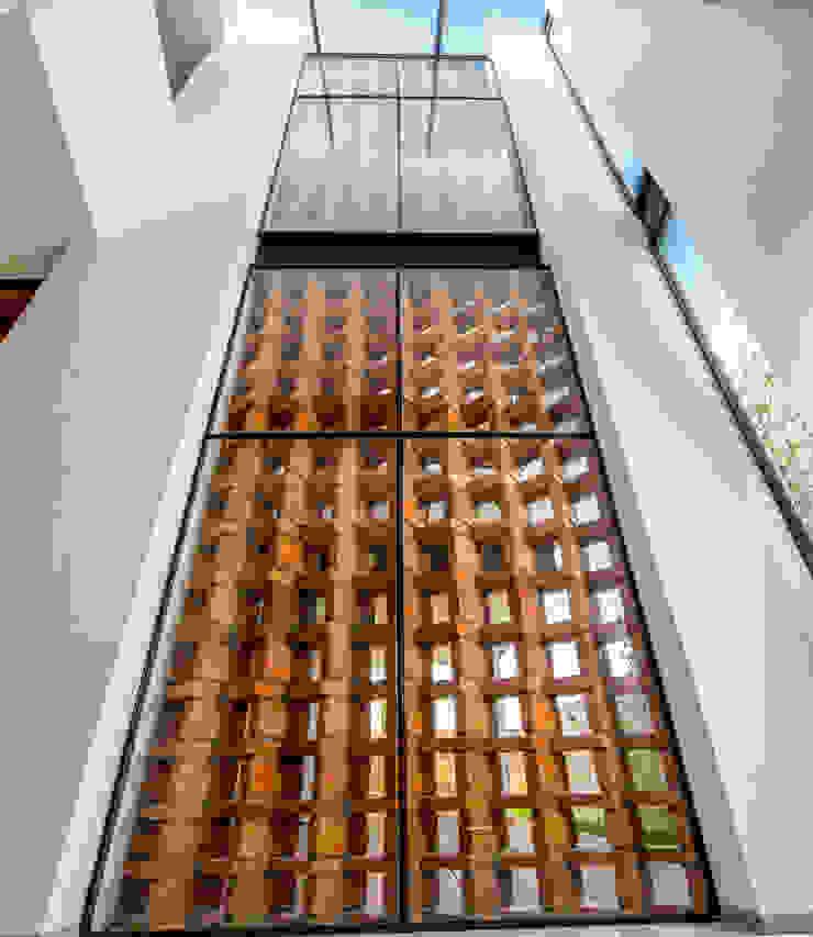 Celosía de ladrillo Paredes y pisos de estilo moderno de BANG arquitectura Moderno
