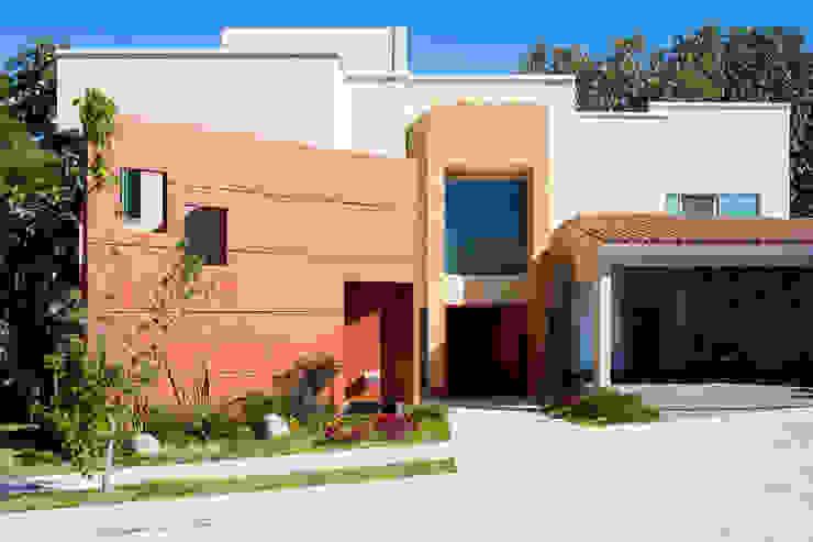 fachada Casas modernas de Excelencia en Diseño Moderno
