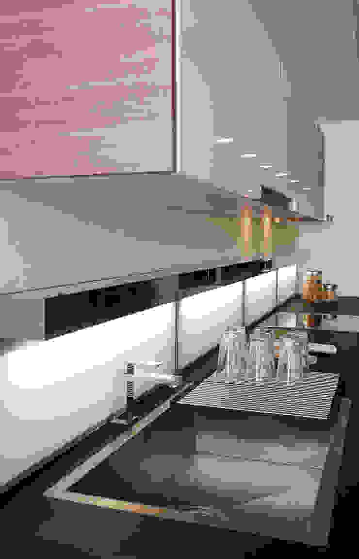 Cocina Aurea Cocinas de estilo moderno de Lebana Moderno