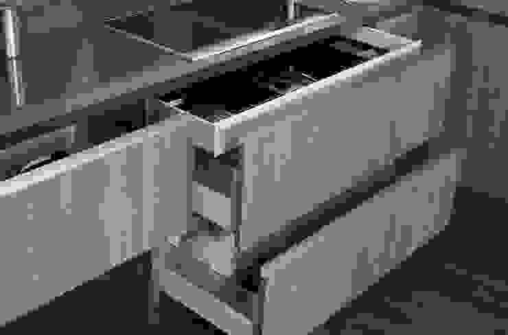 Lebana Modern kitchen