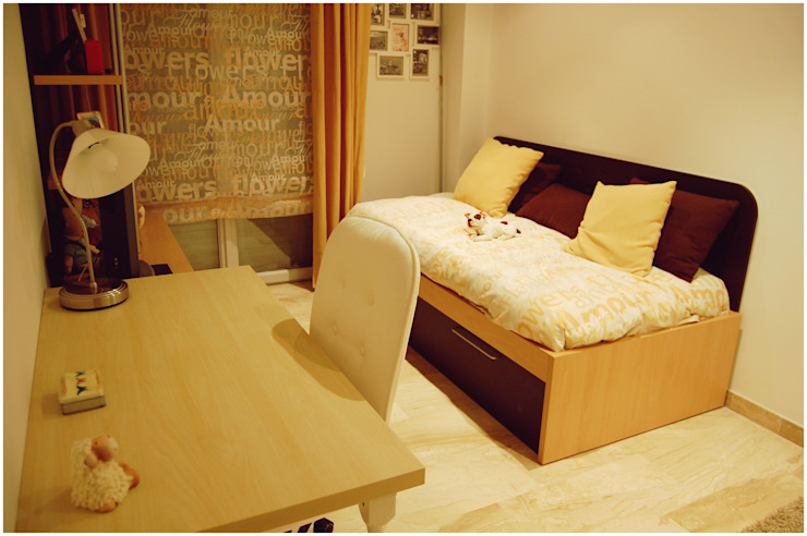 Tostado Dormitorios infantiles de estilo escandinavo de Cardellach Interior & Events Escandinavo
