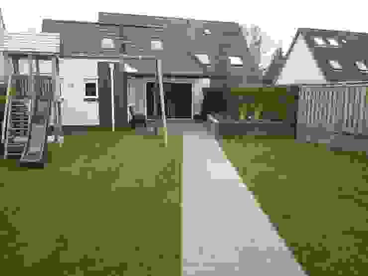renovatie achtertuin Moderne tuinen van Van Dijk Tuinen Groningen Modern