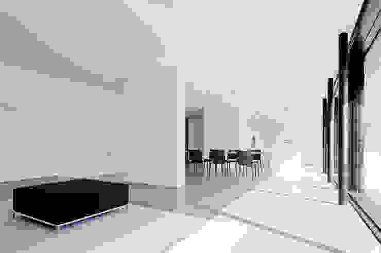 Haus K in Friedrichstal Minimalistische Wohnzimmer von Thomas Fabrinsky Dipl.-Ing. Freier Architekt BDA Minimalistisch