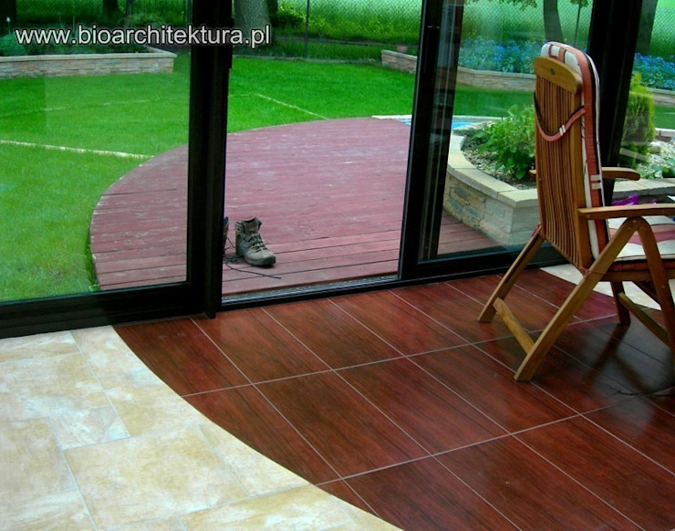 Bioarchitektura - Ogrody, Krajobraz, Zieleń we wnętrzach Colonial style balcony, veranda & terrace