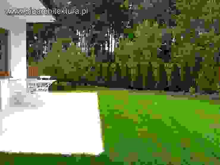 Bioarchitektura - Ogrody, Krajobraz, Zieleń we wnętrzach Minimalist balcony, veranda & terrace