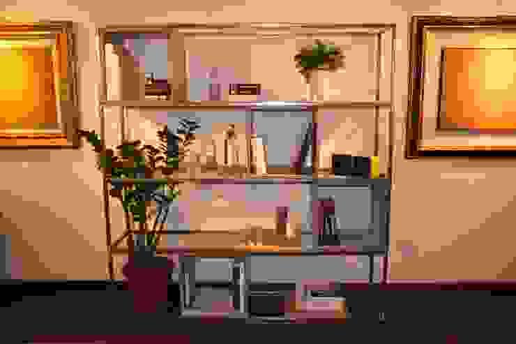 QuQu Bookshelf di Pillsdesign Minimalista
