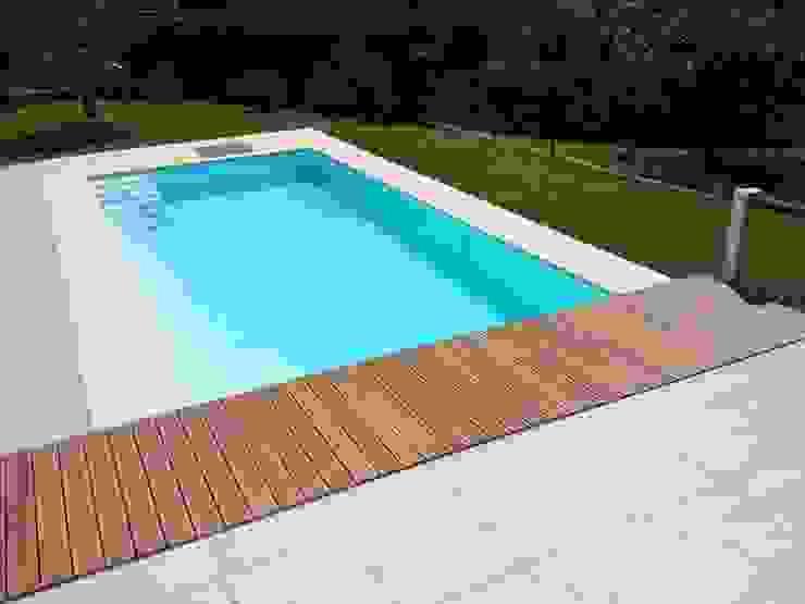 Villa Privata - Cernobbio Lago di Como Piscina moderna di Archiluc's - Studio di Architettura Stefano Lucini Architetto Moderno