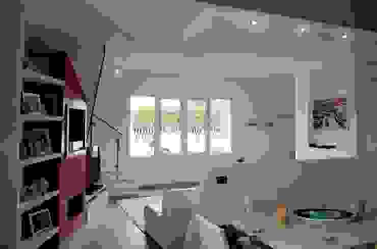 Zona pranzo Sala da pranzo moderna di Sergio Bini Moderno