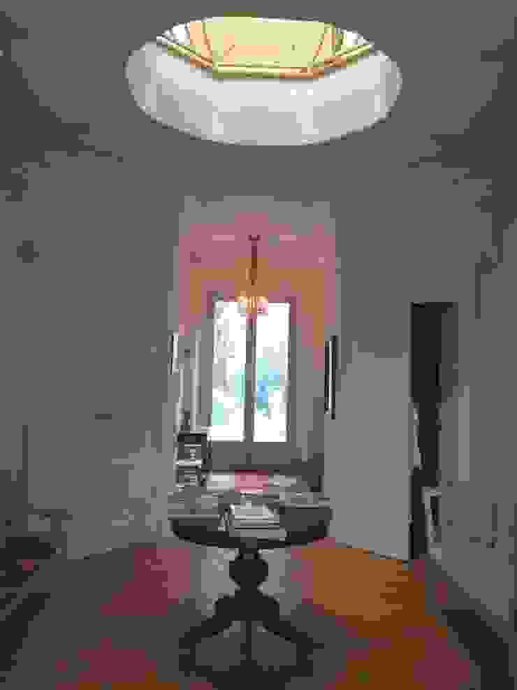 Villa Taglioni – Blevio Como Lake Archiluc's - Studio di Architettura Stefano Lucini Architetto Classic style corridor, hallway and stairs