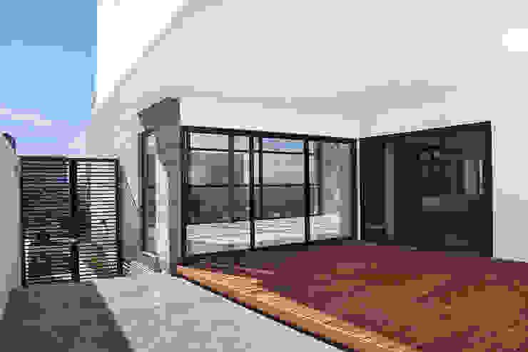Casa RDM45: Terrazas de estilo  por VG+VM Arquitectos, Moderno
