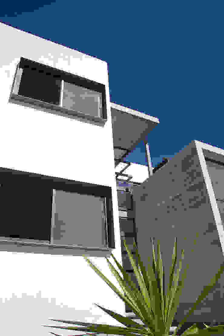 Casa RDM45 Puertas y ventanas modernas de VG+VM Arquitectos Moderno