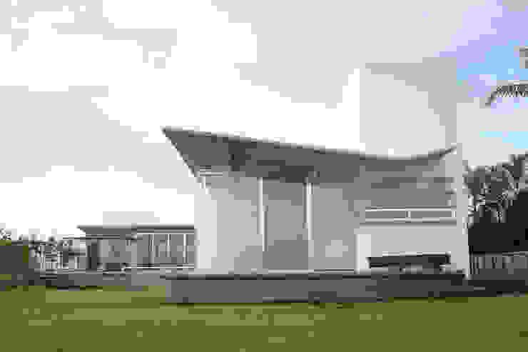 Balcones y terrazas modernos de VG+VM Arquitectos Moderno