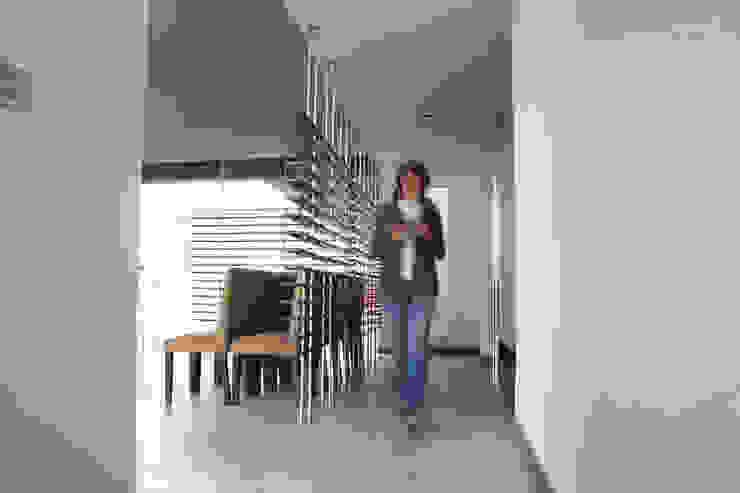 Casa Aburto Salones modernos de VG+VM Arquitectos Moderno