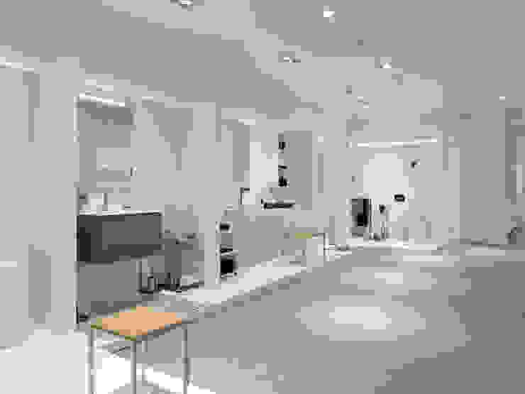Tienda EL PICAPORTE de Hernández Arquitectos Minimalista