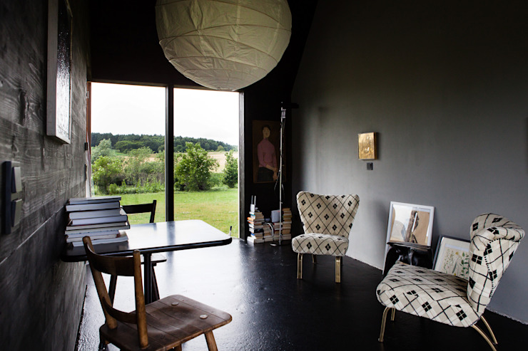 by Das schwarze Haus Modern