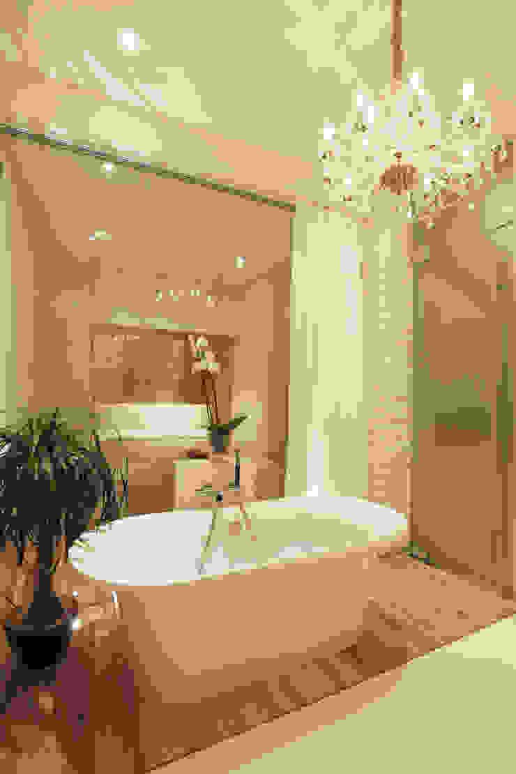 Ванна в колонном зале. Ванная комната в скандинавском стиле от Double Room Скандинавский