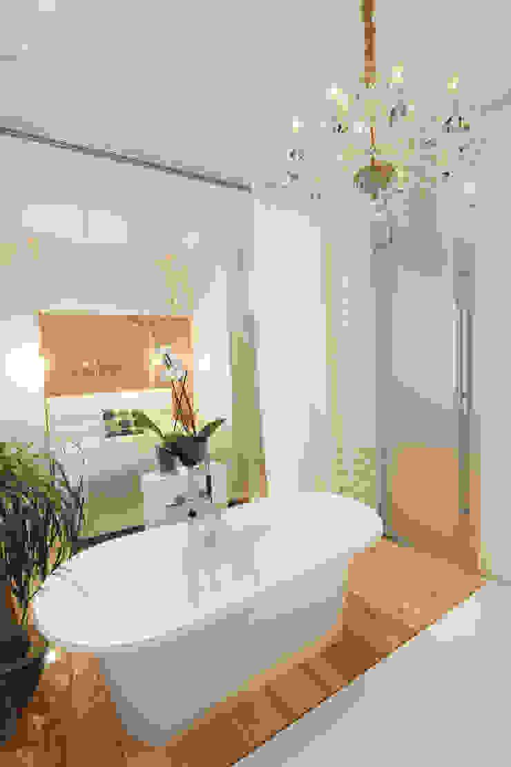 Люстра в ванной. Ванная комната в скандинавском стиле от Double Room Скандинавский