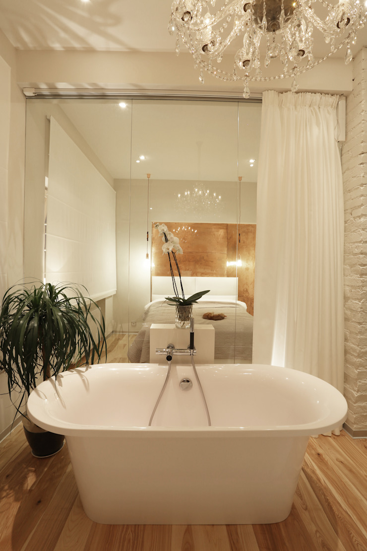 Белая форма. Ванная комната в скандинавском стиле от Double Room Скандинавский