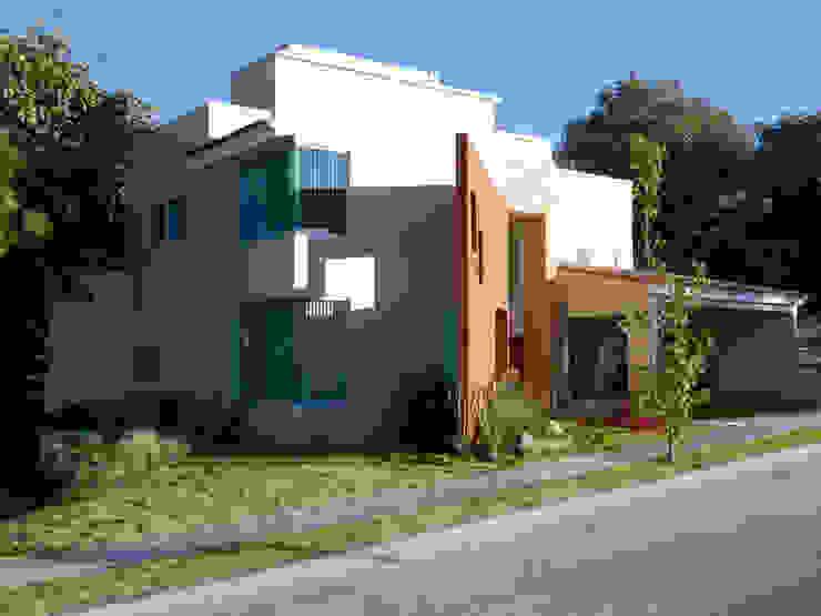 Projekty,  Domy zaprojektowane przez Excelencia en Diseño,