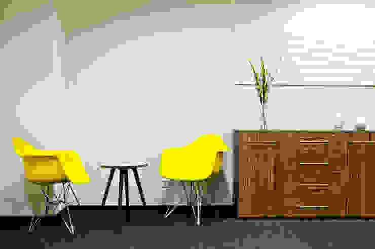 Переговорная комната Офисы и магазины в стиле минимализм от 16dots Минимализм