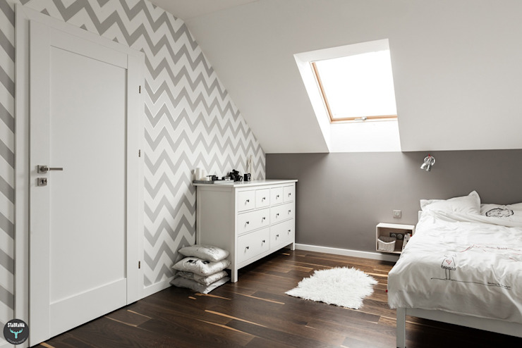 Scandinavian style bedroom by stabrawa.pl Scandinavian