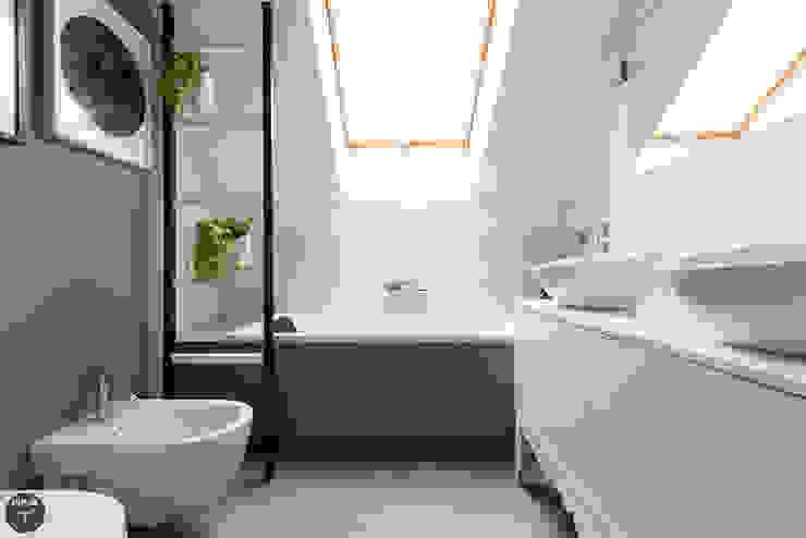 Minimalist style bathroom by stabrawa.pl Minimalist