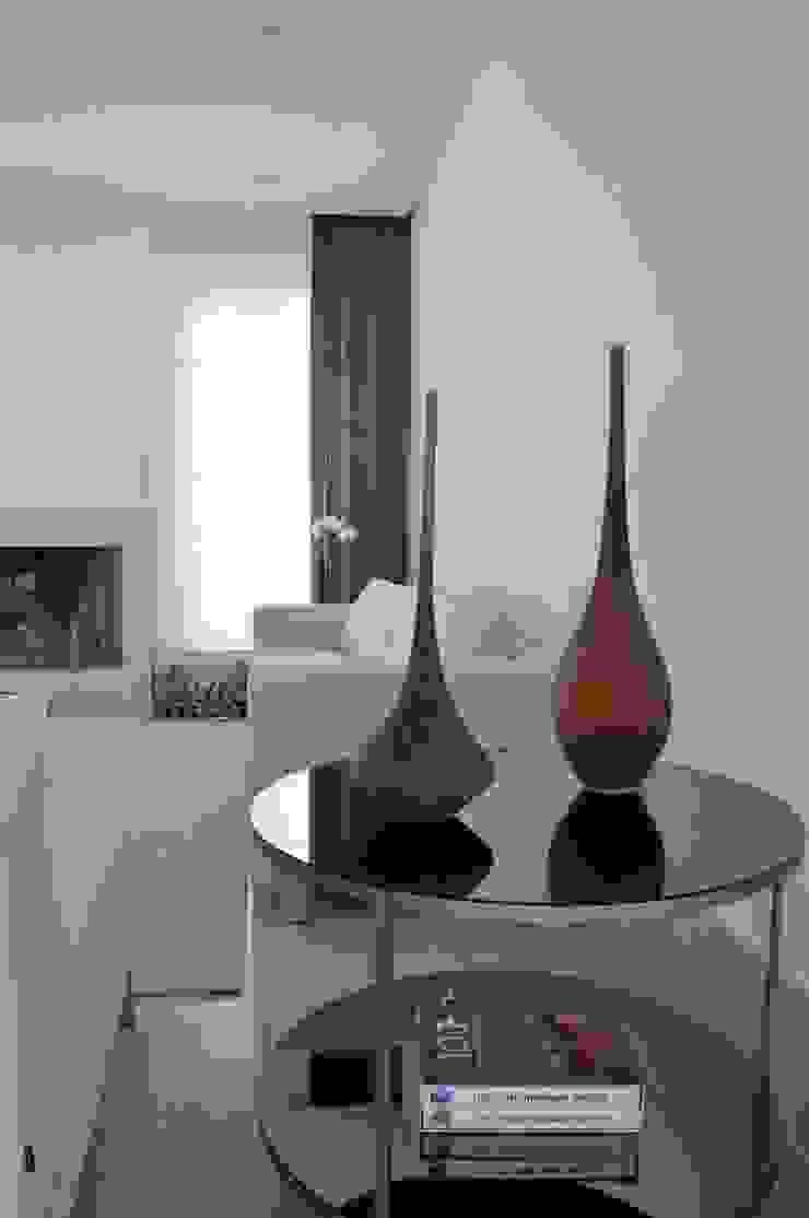 Casa Alto da Boa Vista Salas de estar minimalistas por Renata Amado Arquitetura de Interiores Minimalista