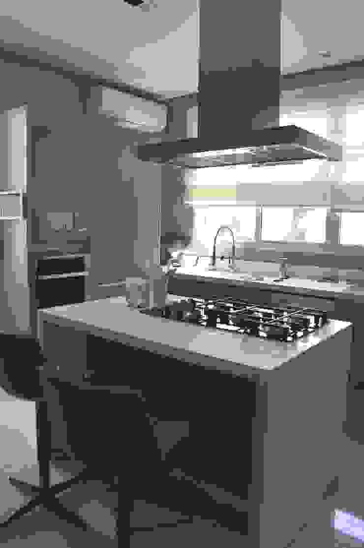 Casa Alto da Boa Vista Cozinhas modernas por Renata Amado Arquitetura de Interiores Moderno
