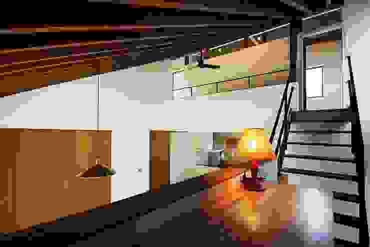 忍者の住む家 モダンデザインの 書斎 の 秀田建築設計事務所 モダン