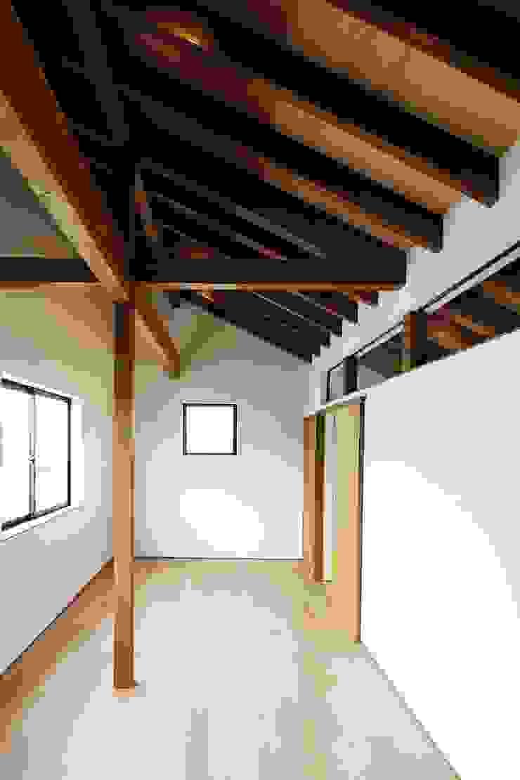 忍者の住む家 モダンデザインの 子供部屋 の 秀田建築設計事務所 モダン