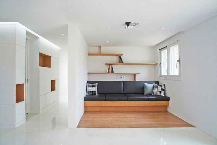 G House - Living Room Minimalist living room by NEN Minimalist