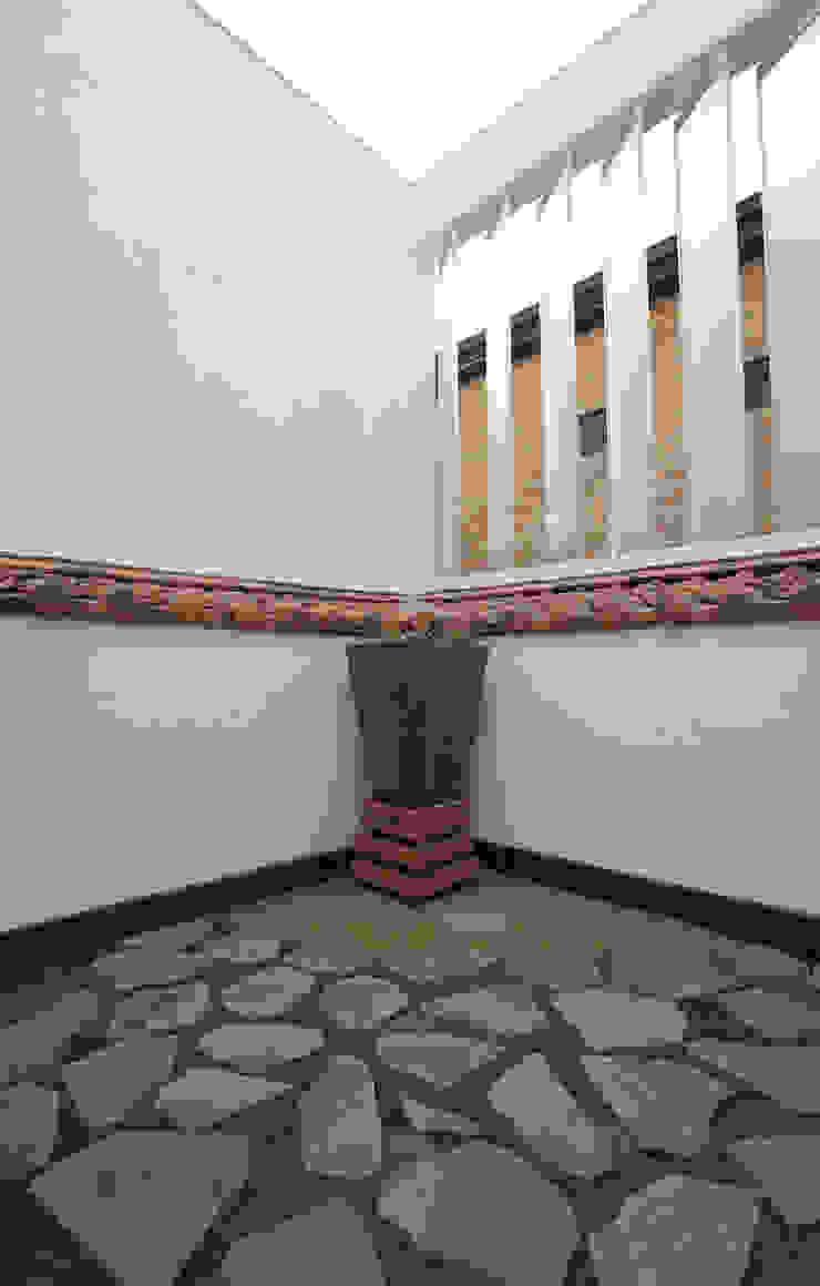 현앤전 건축사 사무소(HYUN AND JEON ARCHITECTURAL OFFICE ) Balcones y terrazas modernos