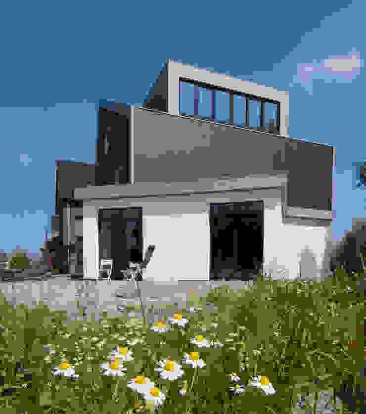 rechter zijgevel Moderne huizen van Villa Delphia Modern