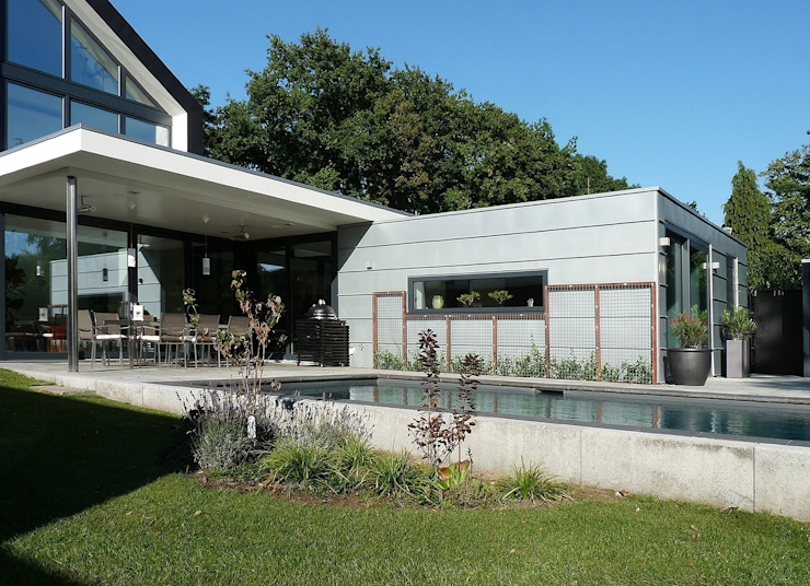 achterzijde Moderne huizen van Villa Delphia Modern