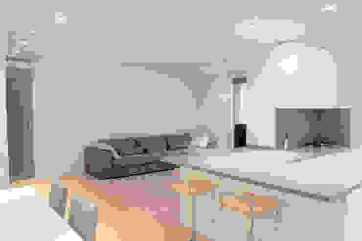 Zona giorno Soggiorno minimalista di Davide Ceron Architetto Minimalista