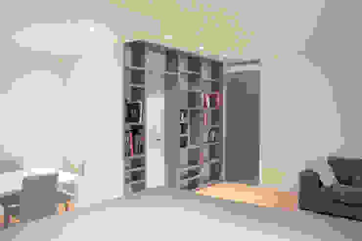 Percorsi Ingresso, Corridoio & Scale in stile moderno di Davide Ceron Architetto Moderno