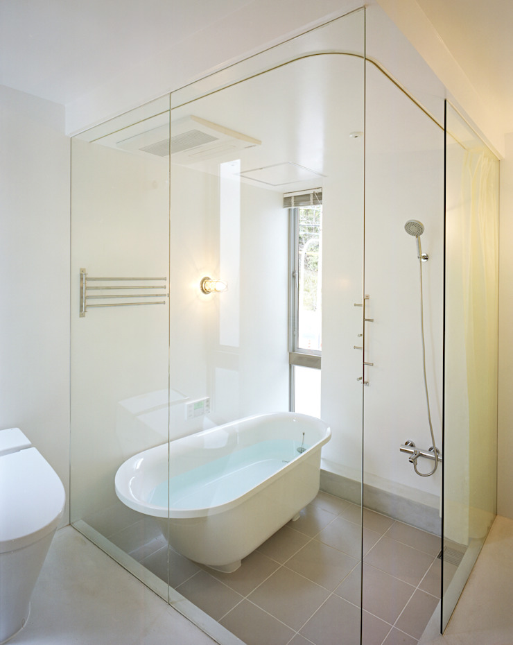 五月丘の家 - House of Satukigaoka モダンスタイルの お風呂 の 林泰介建築研究所 モダン