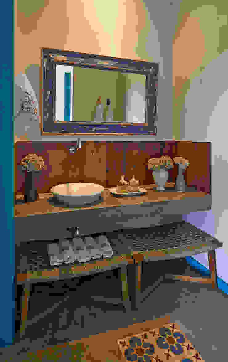Beth Marquez Interiores Salle de bain rustique
