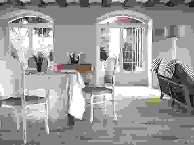 Ayous Gres imitación a madera Comedores de estilo mediterráneo de INTERAZULEJO Mediterráneo
