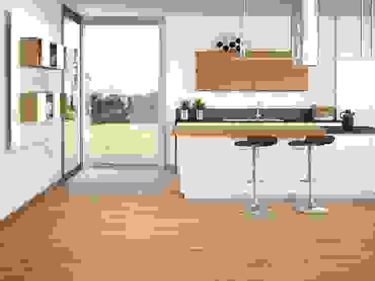 Fresno Gres imitación a madera Cocinas de estilo moderno de INTERAZULEJO Moderno