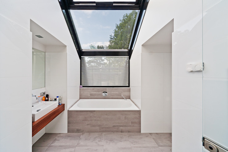 Beltman Architecten Modern bathroom
