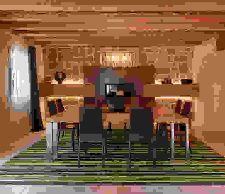 Ruang Makan Modern Oleh STUDIO CERON & CERON Modern